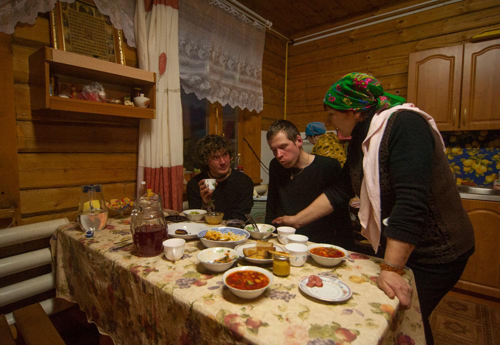 Gościna w domu baciuszki przed Jakuckiem (Pokrowsk)
